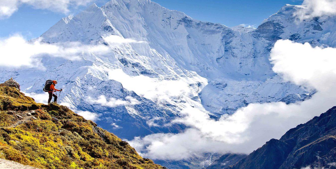 Mount Thamserku during Himalayan trekking